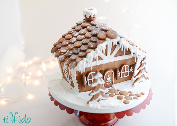 Easy Holiday Gingerbread Houses 6